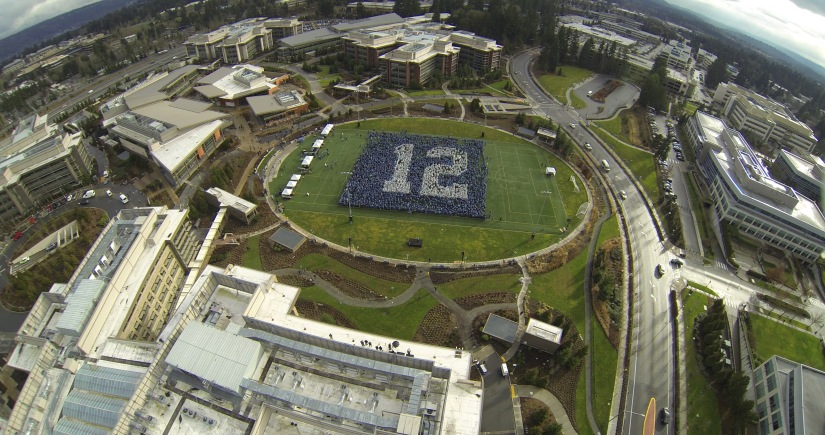 Microsoft-OSG-12thManFlag-NearFinal-FromCopter-1
